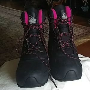 Itasca very warm winter boot. NWOT 10